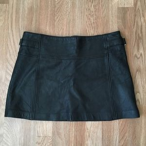 BCBGMaxAzria black leather mini skirt size 4 EUC